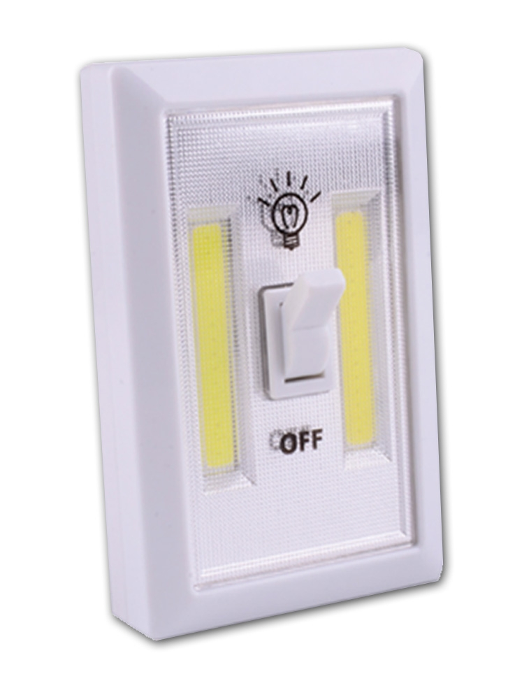 Sansai Battery Powered Led Light Switch Hang Sell Packaged